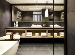 HyattTahoe_Presidential Bathroom1