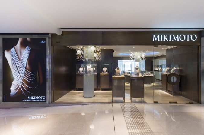 For Mikimoto the luxury retail experience was redefined. The heritage of this Japanese brand was brought to life by an immersive watery environment that is brought to life by a rich mix of materials.