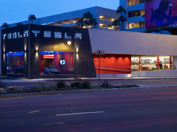 Tesla Motors opened it's flagship location in Santa Monica in 2008. The Los Angeles location is housed in a pair of upcycled buildings, where the architect created an efficient, gallery-like setting for showing and servicing the cars.