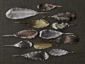Metal leaves